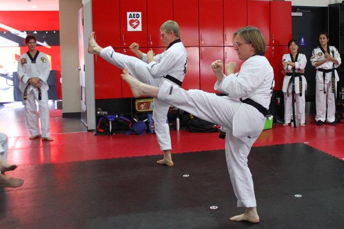 teen adult taekwondo class